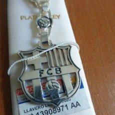 Coleccionismo deportivo: LLAVERO DE PLATA DE LEY OFICIAL DEL FUTBOL CLUB BARCELONA (BARÇA) PIEZA DE JOYERÍA CON CERTIFICADO. Lote 82924744