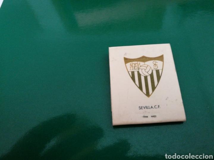 RARA CAJA DE CERILLAS DEL SEVILLA FC. PUBLICIDAD DE TABACOS NEGROS. AÑOS 70 (Coleccionismo Deportivo - Merchandising y Mascotas - Futbol)