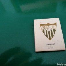Coleccionismo deportivo: RARA CAJA DE CERILLAS DEL SEVILLA FC. PUBLICIDAD DE TABACOS NEGROS. AÑOS 70. Lote 83568496