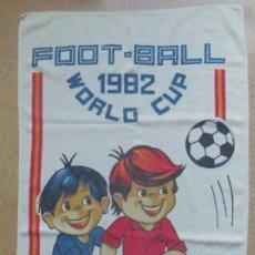 Coleccionismo deportivo: TOALLA DEL CAMPEONATO MUNDIAL DE FÚTBOL 1982 - FOOTBALL 1982 WORLD CUP. Lote 83748900