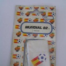 Coleccionismo deportivo: ENCENDEDOR (MECHERO) NUEVO EN BLISTER DE FUTBOL ESPAÑA 82 (MUNDIAL 82) - DE LA CASA TUKO - . Lote 84349968