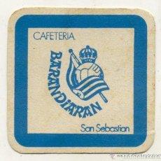 Coleccionismo deportivo: REAL SOCIEDAD DE FUTBOL / POSAVASOS / CAFETERIA BARANDIARAN / SAN SEBASTIAN. Lote 90117772