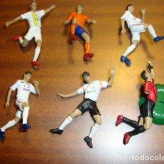 Coleccionismo deportivo: FIGURAS PVC FUTBOL CASILLAS,BECKHAM,MORIENTES,V NISTELROOY,DAVID VILLA FTCHAMPS . Lote 91020120
