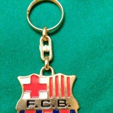 Coleccionismo deportivo: LLAVERO DEL FUTBOL CLUB BARCELONA - MEDIDAS DEL ESCUDO: 45 X 50 MM. Lote 93228230
