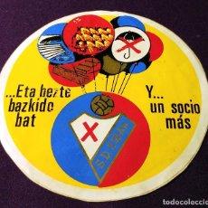 Coleccionismo deportivo: ANTIGUA Y RARA PEGATINA DEL S.D. EIBAR. AÑOS 70-80. EQUIPO DE FUTBOL. DEPORTE. DIAMETRO 13,5 CM. Lote 93368025