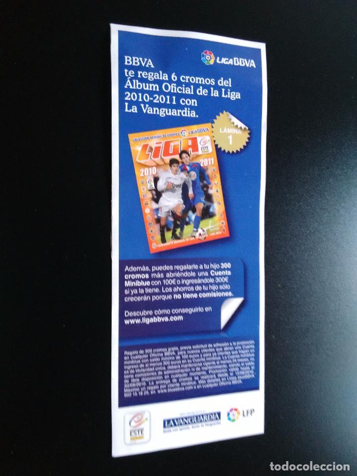 PEGATINA PUBLICITARIA CROMOS LIGA BBVA 2010-2011, EDICIONES ESTE 10-11 Y LA VANGUARDIA (LÁMINA 1) (Coleccionismo Deportivo - Merchandising y Mascotas - Futbol)