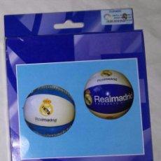 Coleccionismo deportivo: PELOTA DE PLAYA REAL MADRID: 50 CM DE DIAMETRO - NUEVO, A ESTRENAR (EI). Lote 94994671