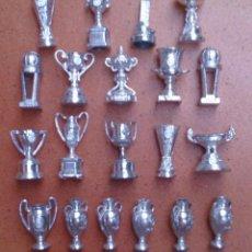Coleccionismo deportivo: COLECCIÓN 20 COPAS TROFEOS MINIATURA REAL MADRID DEL AS . Lote 107562439