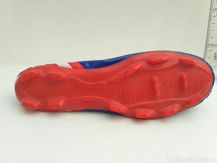 Coleccionismo deportivo: Estuche en forma de bota de fútbol atlético de Madrid - Foto 2 - 98004275