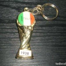 Coleccionismo deportivo: -LLAVERO FUTBOL ITALIA GANADOR MUNDIAL 1938 - FIFA WORLD CUP - KEYRING. Lote 99480243