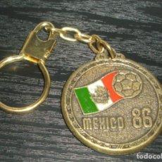 Coleccionismo deportivo: -LLAVERO FUTBOL MUNDIAL MEXICO 86 - KEYRING. Lote 195426172