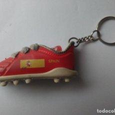 Coleccionismo deportivo: LLAVERO BOTA DE FUTBOL ESPAÑA/SPAIN,SELECCION ESPAÑOLA_LA ROJA_EUROCOPA 2008. Lote 99819531