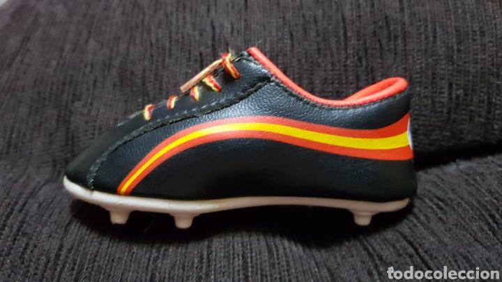 Coleccionismo deportivo: Bota Naranjito derecha Mundial a España 82 - Foto 2 - 100721598