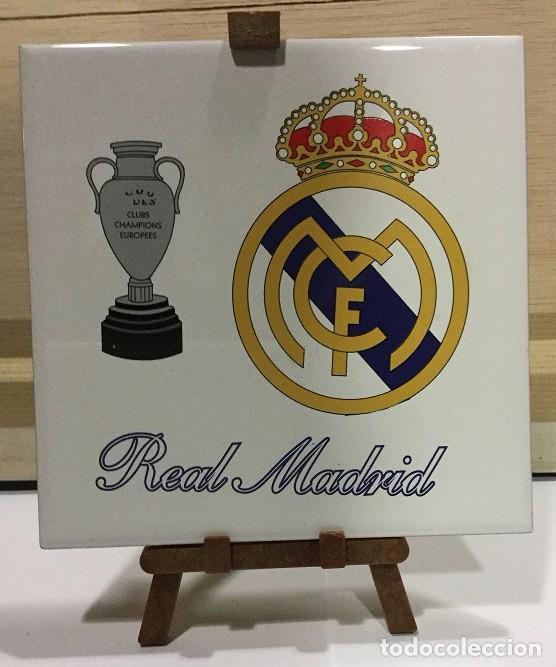 Coleccionismo deportivo: AZULEJO DE 15X15 CON TRIPODE DE PVC DEL REAL MADRID 4 MODELOS DIFERENTES - Foto 3 - 104464619