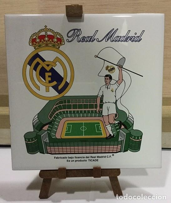 Coleccionismo deportivo: AZULEJO DE 15X15 CON TRIPODE DE PVC DEL REAL MADRID 4 MODELOS DIFERENTES - Foto 4 - 104464619