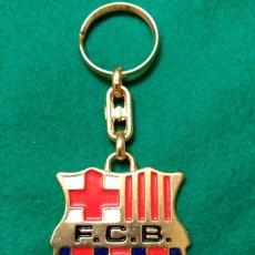 Coleccionismo deportivo: LLAVERO DEL FUTBOL CLUB BARCELONA - MEDIDAS DEL ESCUDO: 45 X 50 MM . Lote 103753487