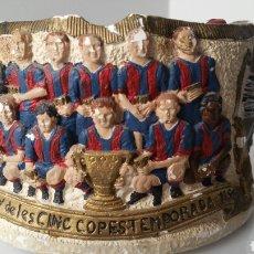 Coleccionismo deportivo: CENICERO FÚTBOL CLUB BARCELONA TEMPORADA 1973 1974 YESO POLICROMADO ESTADIO. Lote 103940935