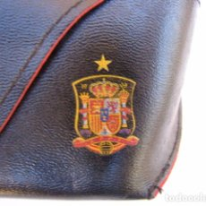 Coleccionismo deportivo: FUNDA DE GAFAS OFICIAL DE LA SELECCIÓN ESPAÑOLA DE FUTBOL.. Lote 104085155