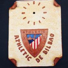 Coleccionismo deportivo: CUADRO ATHLETIC DE BILBAO DE CERAMICA ALFONSO DE NAVAL PARA INSTALAR RELOJ, AÑOS 80, MUY RARO. Lote 104306831