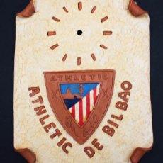 Coleccionismo deportivo: CUADRO ATHLETIC DE BILBAO DE CERAMICA ALFONSO DE NAVAL PARA INSTALAR RELOJ, AÑOS 80, 32 X 26 CM. Lote 104306939
