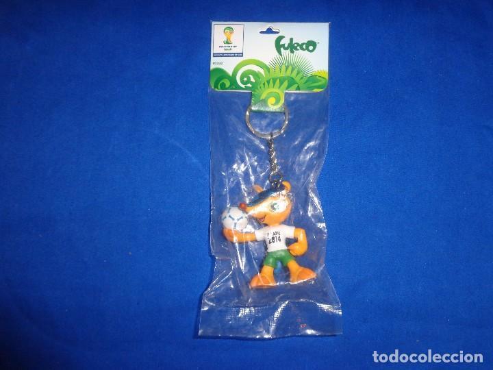 Coleccionismo deportivo: FULECO - LLAVERO OFICIAL MUNDIAL DE BRASIL,FIFA WORD CUP, MIDE UNOS 6 CM, VER FOTOS!! SM - Foto 3 - 105891583
