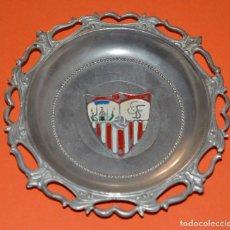 Coleccionismo deportivo: ANTIGUO PLATITO METÁLICO SEVILLA F.C. FÚTBOL. Lote 107818123