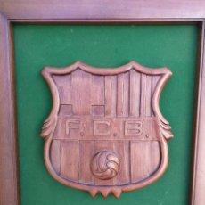 Coleccionismo deportivo: ESCUDO FC BARCELONA DE MADERA, HECHO A MANO.. Lote 109078795