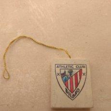 Coleccionismo deportivo: ANTIGUO AMBIENTADOR DE COCHE ATHLETIC BILBAO. Lote 111180726