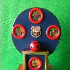 Coleccionismo deportivo: EXPOSITOR F.C. BARCELONA TEMPORADA 1979 1980 79/80 REXACH ARTOLA MIGUEL KARNKL CARRASCO . Lote 112567455