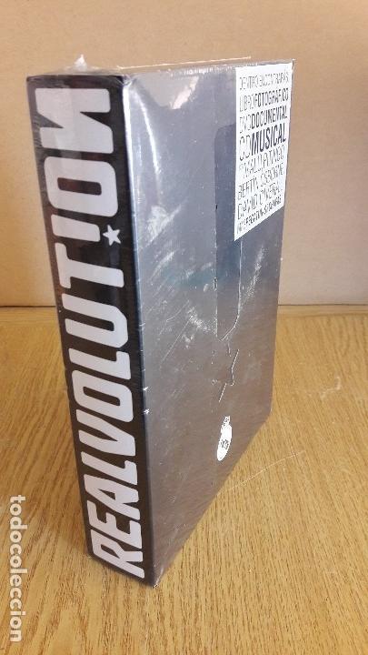 Coleccionismo deportivo: REALVOLUTION / CD + DVD + CHAPAS + ADHESIVOS + FOTO-LIBRO / PRECINTADO / LEER. - Foto 19 - 184259713