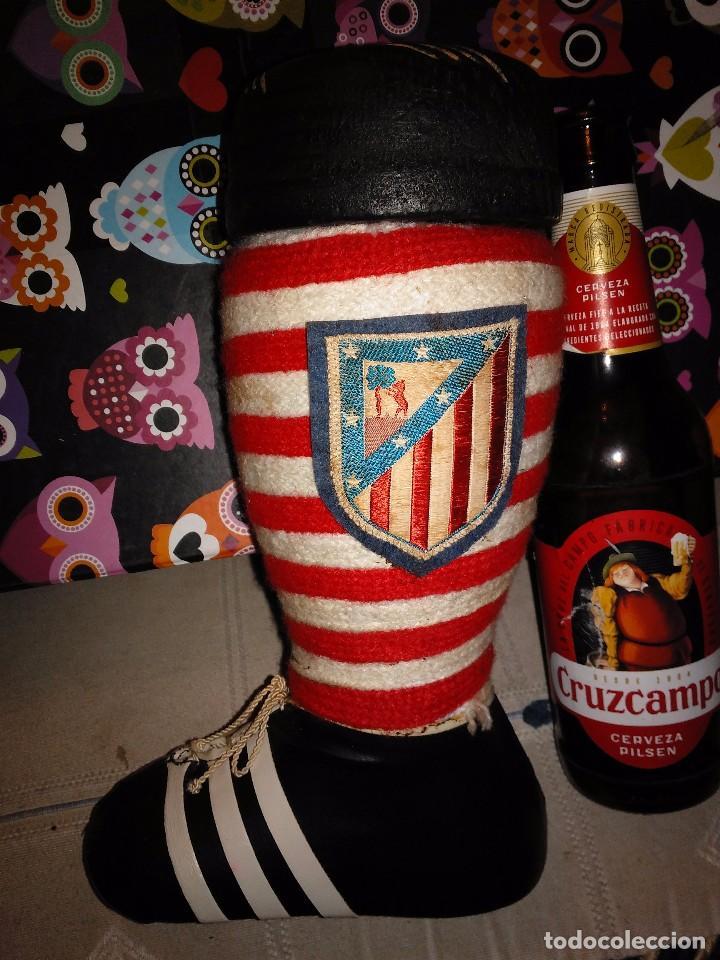 ANTIGUA BOTA FUNDA BOTELLA DEL ATLÉTICO DE MADRID CON COLORES ORIGINALES Y ESCUDO (Coleccionismo Deportivo - Merchandising y Mascotas - Futbol)