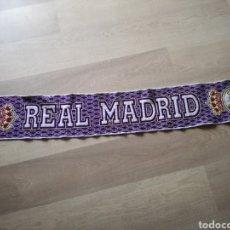 Coleccionismo deportivo: BUFANDA REAL MADRID AÑOS 90. Lote 116410359