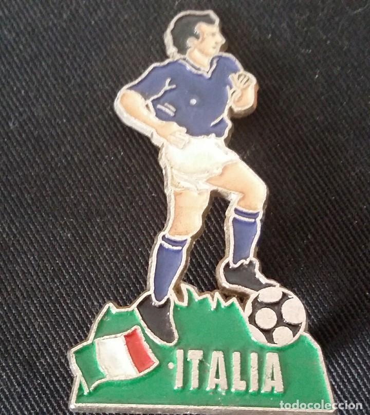 Coleccionismo deportivo: JUGADOR DE FÚTBOL DE METAL DE ITALIA DE LA EUROCOPA 1996 DE INGLATERRA. - Foto 4 - 117451235