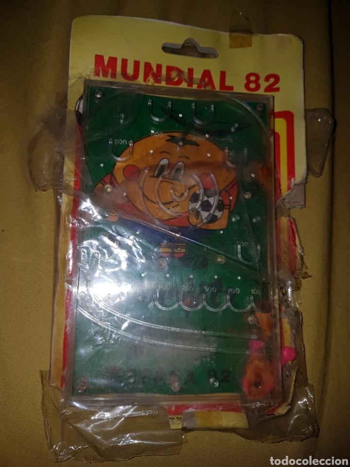 JUEGO BOLAS MUNDIAL 82 NARANJITO (Coleccionismo Deportivo - Merchandising y Mascotas - Futbol)