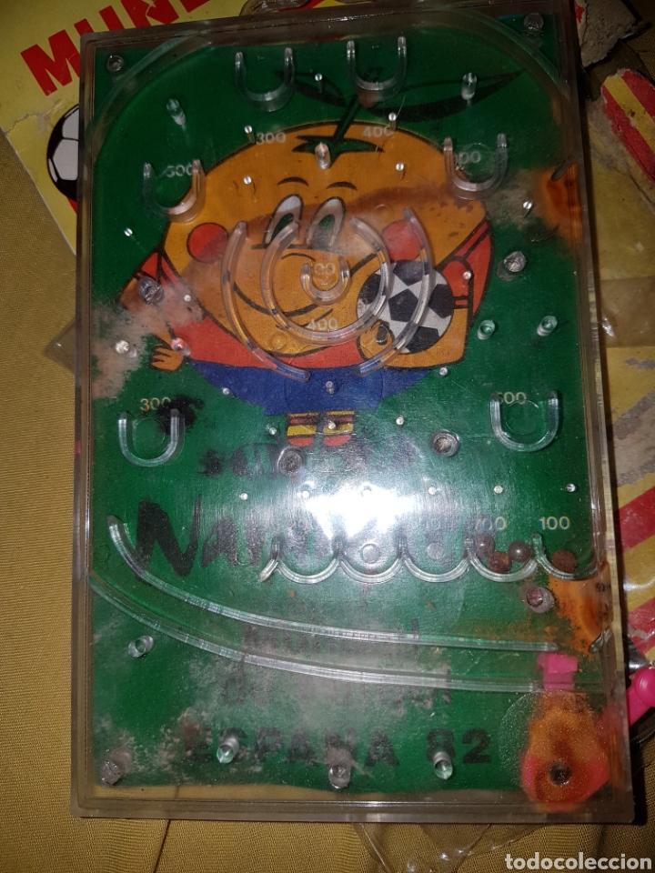 Coleccionismo deportivo: Juego bolas Mundial 82 Naranjito - Foto 3 - 117854148