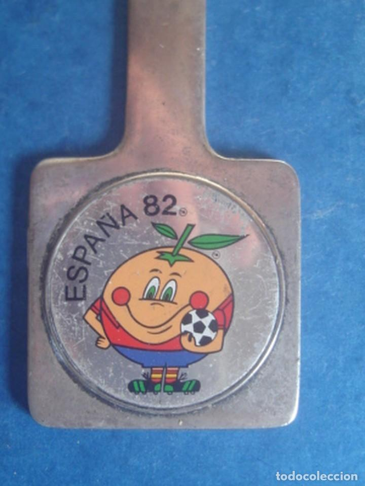 Coleccionismo deportivo: Abrecartas promocional del mundial de fútbol de España 1982 - Foto 2 - 118785187