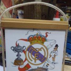 Coleccionismo deportivo: AZULEJO DEL REAL MADRID AÑOS 80,CON MARCO PARA COLGAR.. Lote 119859411