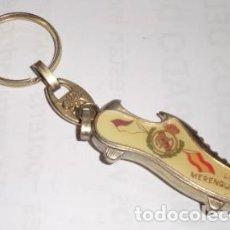 Coleccionismo deportivo: LLAVERO DEL REAL MADRID, LOS MERENGUES!!!, FÚTBOL EN ATAQUE, GOL!. Lote 120444619