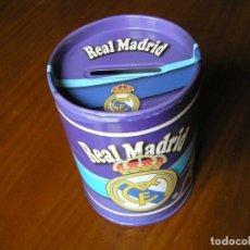 Coleccionismo deportivo: HUCHA REAL MADRID DE MATERIAL METALICO. Lote 122081611