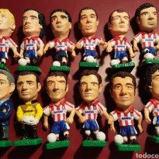 Coleccionismo deportivo: BONITO LOTE EQUIPO COMPLETO ATLETICO DE MADRID MAS ENTRENADOR BANDAI 1996. Lote 122307955