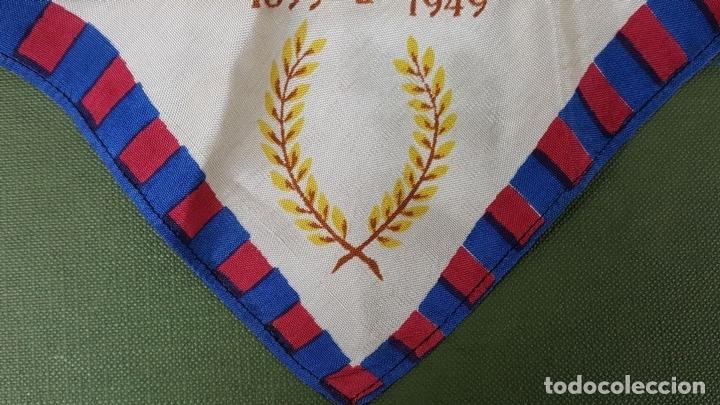 Coleccionismo deportivo: PAÑUELO DE SEDA. F.C BARCELONA. CAMPEONES DE LIGA 1948-1949. BODAS DE ORO. 1899-1949. - Foto 3 - 122845235