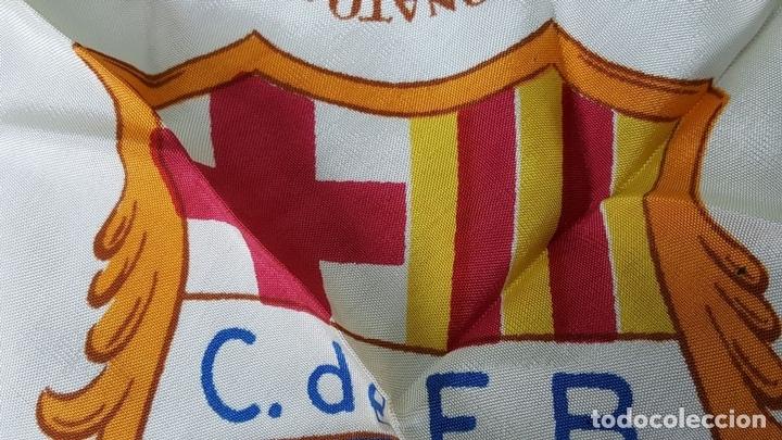 Coleccionismo deportivo: PAÑUELO DE SEDA. F.C BARCELONA. CAMPEONES DE LIGA 1948-1949. BODAS DE ORO. 1899-1949. - Foto 4 - 122845235