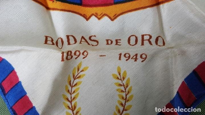Coleccionismo deportivo: PAÑUELO DE SEDA. F.C BARCELONA. CAMPEONES DE LIGA 1948-1949. BODAS DE ORO. 1899-1949. - Foto 6 - 122845235
