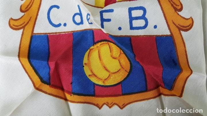 Coleccionismo deportivo: PAÑUELO DE SEDA. F.C BARCELONA. CAMPEONES DE LIGA 1948-1949. BODAS DE ORO. 1899-1949. - Foto 7 - 122845235