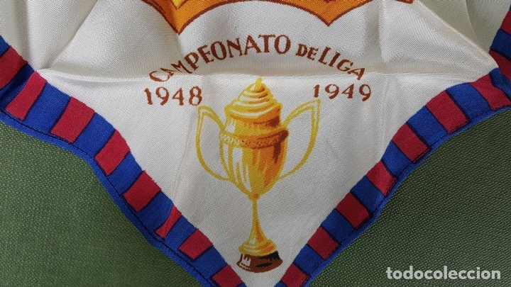 Coleccionismo deportivo: PAÑUELO DE SEDA. F.C BARCELONA. CAMPEONES DE LIGA 1948-1949. BODAS DE ORO. 1899-1949. - Foto 8 - 122845235