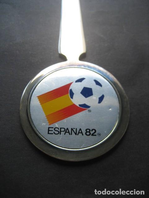 Coleccionismo deportivo: ABRECARTAS MUNDIAL DE FUTBOL ESPAÑA 1982. NARANJITO - Foto 2 - 124666787
