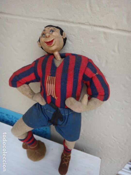 Coleccionismo deportivo: MUÑECO ANTIGUO DE TELA , TIPO MASCOTA DE FUTBOL , LEVANTE O BARCELONA , ORIGINAL - Foto 2 - 128020627