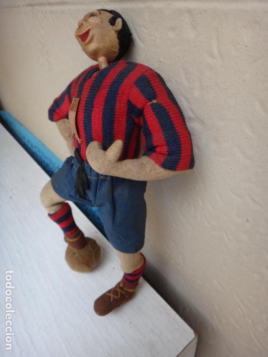 Coleccionismo deportivo: MUÑECO ANTIGUO DE TELA , TIPO MASCOTA DE FUTBOL , LEVANTE O BARCELONA , ORIGINAL - Foto 3 - 128020627