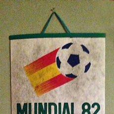 Coleccionismo deportivo: BANDEROLA FUTBOL MUNDIAL 82 ESPAÑA NARANJITO. Lote 131747254