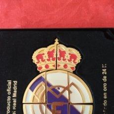 Coleccionismo deportivo: ESCUDO OFICIAL DEL REAL MADRID. Lote 133370362